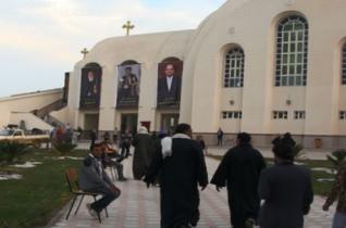 Felszentelték az Iszlám Állam által kivégzett kopt vértanúk tiszteletére emelt székesegyházat