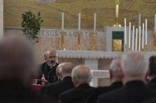 A szerda délutáni elmélkedés a pápa lelkigyakorlatán – A szomjúság éltető itallá lehet