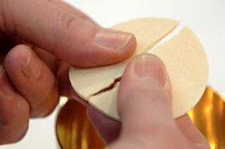 Egyedi esetekben az evangélikus fél is áldozáshoz járulhat házastársával Németországban
