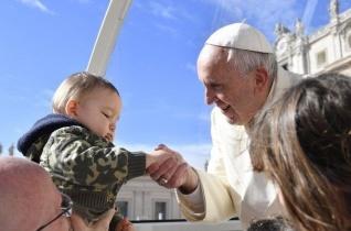 Ferenc pápa a miséről: Az áldozásban Jézus is magához vesz minket!