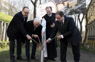 Letették a Budai Ciszterci Szent Imre Gimnázium sportkomplexumának alapkövét