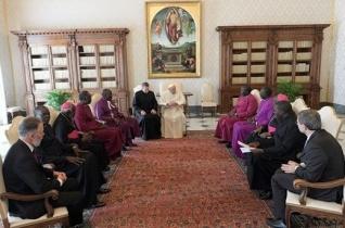 Dél-szudáni egyházi vezetőkkel találkozott Ferenc pápa