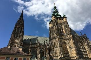 Új szobrot kapott Szent Adalbert a prágai Szent Vitus-székesegyházban