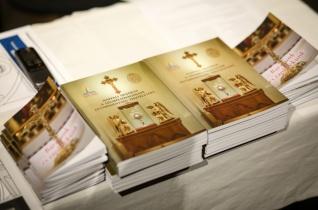 Megjelent két, a belvárosi templom folyamatos szentségimádását segítő kiadvány