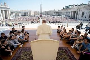 A hétköznapok egyszerű gesztusaival szeressetek! – Bolognai és cesenai zarándokok a pápánál