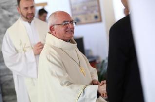 """""""Azért tudok jobb lenni, mert szeret az Isten!"""" – Püspöki látogatás a csurgói Kolping-iskolában"""