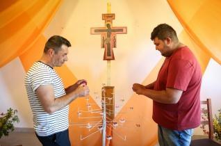 """""""Egybeépültök az Isten hajlékává"""" – Taizé-lelkinap Vanyarcon"""
