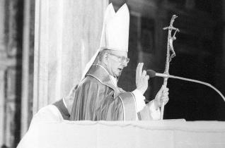 Október 14-én avatják szentté VI. Pált és Romero érseket