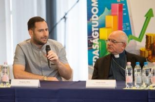 Sajtótájékoztatót tartottak a keresztény szemléletű vezetőképzés beindításáról Kaposváron