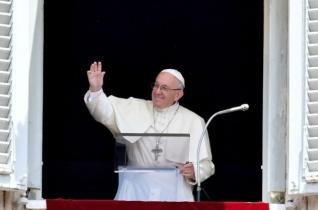 Ferenc pápa: Meg kell tanulnunk bízni Istenben és elcsendesedni misztériuma előtt!
