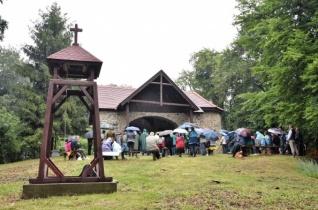 A hit legyen a jövőnk záloga – Idén is zarándoklatot szerveztek a Karancs hegyre