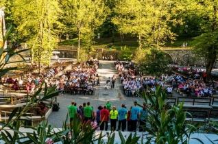 """Tizenöt éve """"Muzsikál az erdő"""" – Mátraverebély-Szentkúton adták át a jubileumi zenei pályázat díjait"""