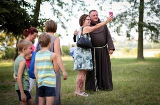 Böjte Csaba üzenete a vakációra: Mennyire találják meg a többiek mellettünk a helyüket?