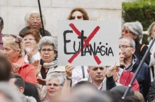 Drámai adatokat tettek közzé Belgiumban az eutanáziáról