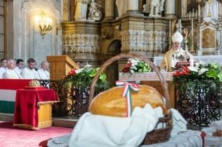 Együtt kell őriznünk a Szent István-i út életet adó igazságait – Augusztus 20-a Székesfehérváron