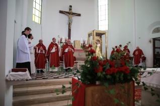 Isten örök pillanatában vagyunk – Egyházmegyei zarándoklat a Szent Vér-ereklye jelenlétében Bátán
