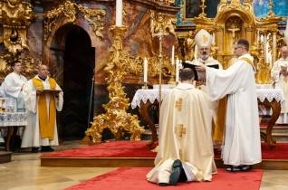 Bérczi Bernát ciszterci apát benedikálását ünnepelték Zircen