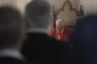 Ferenc pápa: Az ördög az álszenteket használja fel, de Jézus az igazi szeretetre tanít