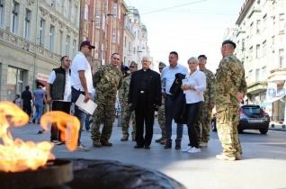 Püspöki látogatás a Szarajevóban szolgáló magyar katonáknál