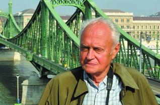 Schmidt Egon: A Csarnok tér lepkéi