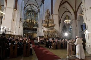 Ferenc pápa a lett ökumenikus találkozón: A mai korban kell megszólaltatnunk az evangélium dallamát!