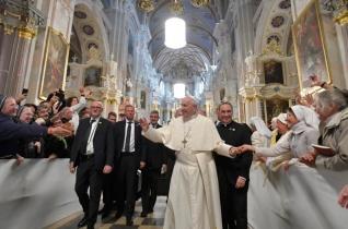 Emlékezzetek, vértanúk fiai vagytok – Ferenc pápa találkozója a litván papokkal és szerzetesekkel