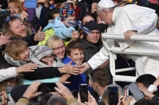 Ferenc pápa homíliája Tallinnban: Le kell győznünk félelmeinket, el kell hagynunk bezárt tereinket!
