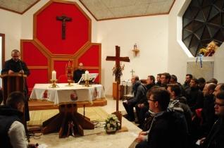 Tűzzel, boldogan, áldozatkészen – Esztergomi kispapok zarándoklata a Szombathelyi Egyházmegyében