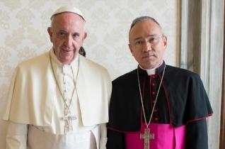 Ferenc pápa bemutatta az új helyettes államtitkárt