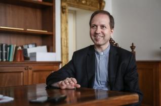 Kibontakozó kegyelem – Interjú Mohos Gábor kinevezett püspökkel