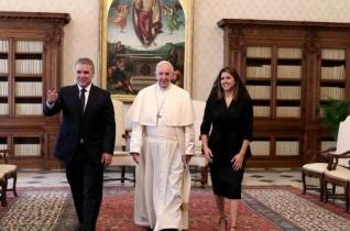 A kolumbiai elnököt fogadta Ferenc pápa
