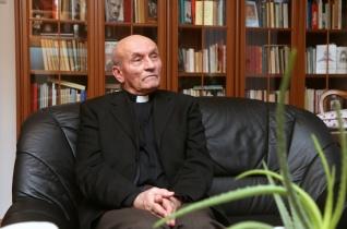 Papi szolgálat a kommunizmus idején – Varjú Imre atyával beszélgettünk