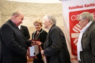 """""""Segíteni másokon magától értetődő számomra"""" – Interjú a Caritas Hungarica díjas Rizner Józsefnével"""