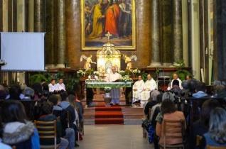 Szentmisével és könyvbemutatóval ünnepelték a magyar szenteket és boldogokat Baján