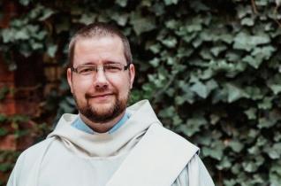 Kis lépésekben formáljuk át a világot – Beszélgetés Elek László örökfogadalmas jezsuitával