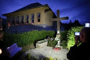 Éjszakai zarándoklat Brenner János emléknapján Rábakethelyen