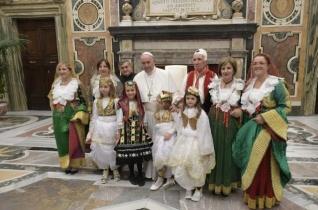 Albán zarándokokat fogadott a pápa Szkander bég halálának 550. évfordulóján