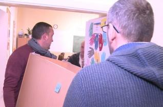 Bútorokat kapott az egri Szent Imre-iskola