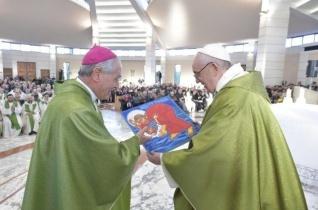 Ferenc pápa: Ne féljünk találkozni Krisztussal az idegenekben és a migránsokban!