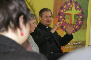 Hitmélyítő találkozók csoportvezetőinek tartottak továbbképzést Szatmárnémetiben