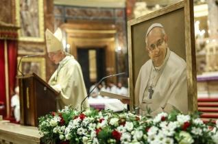 Csak azok képesek védelmezni, akik szeretettel szolgálnak! – Ferenc pápáert adtak hálát Budapesten