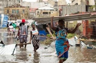 Ferenc pápa imádkozik az afrikai árvizek áldozataiért