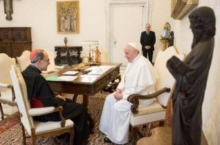 Ferenc pápa Barbarin bíborosra bízta, hogy lemond-e