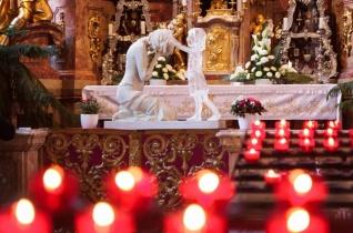 A létezés a legnagyobb ajándék – Szentmise és tanúságtétel a krízisben lévő családokért Győrben