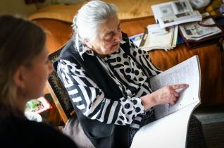 Régi húsvétok nyomában – Találkozás a fertődi idősek otthona lakóival
