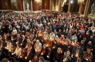 Erdő Péter húsvét vigíliáján: a félelem, közömbösség ellenére szívünk tele van reménnyel és örömmel
