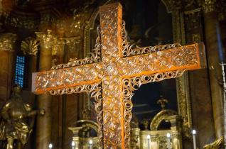 A győri Szent Imre-templom is fogadja a missziós keresztet