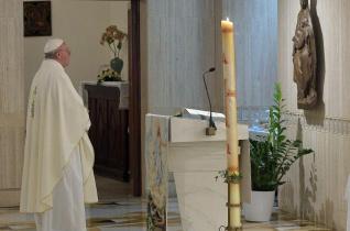 Ferenc pápa: Jézus békéje olyan, mint a tenger mélyének nyugalma
