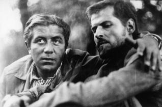 Ellenállunk, vagy belesimulunk a védőszínekbe? – Zanussi klasszikus filmje a Párbeszéd Házában