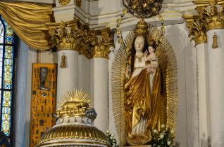 Aranyrózsát adományoz Ferenc pápa a csíksomlyói Szűzanyának